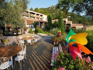 Village-vacances-ULVF-Domaine-Olivaie-Alpes-Maritimes-Village-Ambiance-Fete